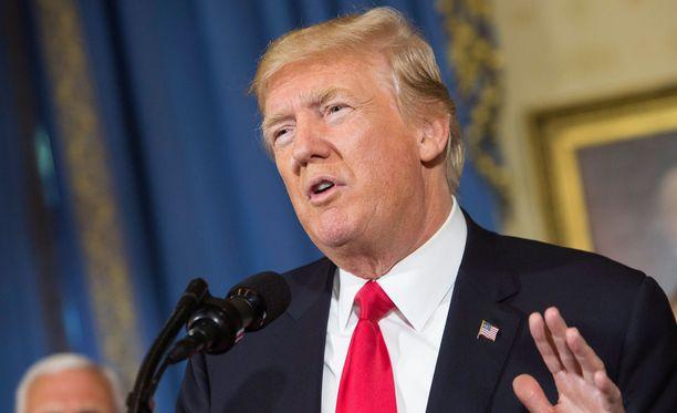 Trump allekirjoitti pakotteet keskiviikkona.