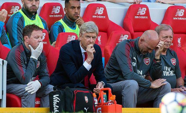 Ilmeet kertovat kaiken. Arsene Wengerin luotsaaman Arsenalin kausi on alkanut yskähdellen.
