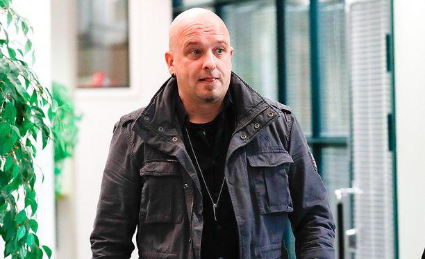 Sami Hintsanen sai sakkoa pahoinpitelystä ja laittomasta uhkauksesta.
