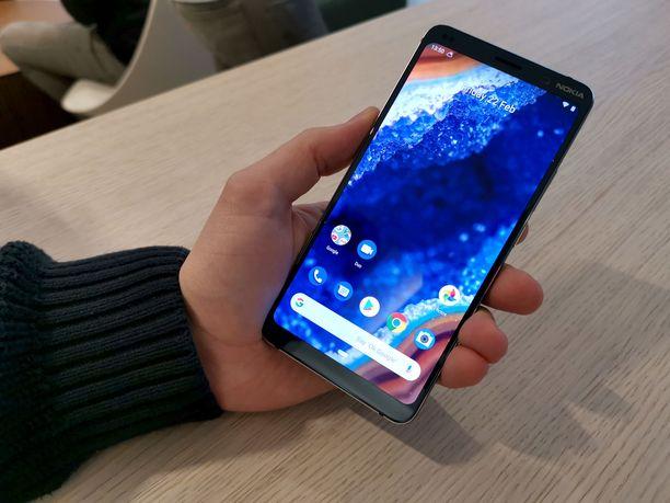 Nokia 9:ssä ei ole näyttölovea.