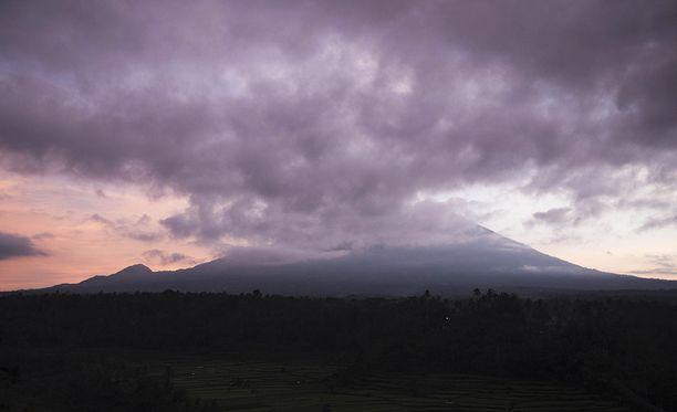Agung-tulivuoren odotetaan purkautuvan pian.