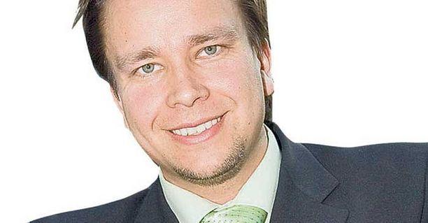 Tanssii tähtien kanssa -ohjelmastakin tuttu Antti Kaikkonen (kesk) ei halaja Brysseliin.