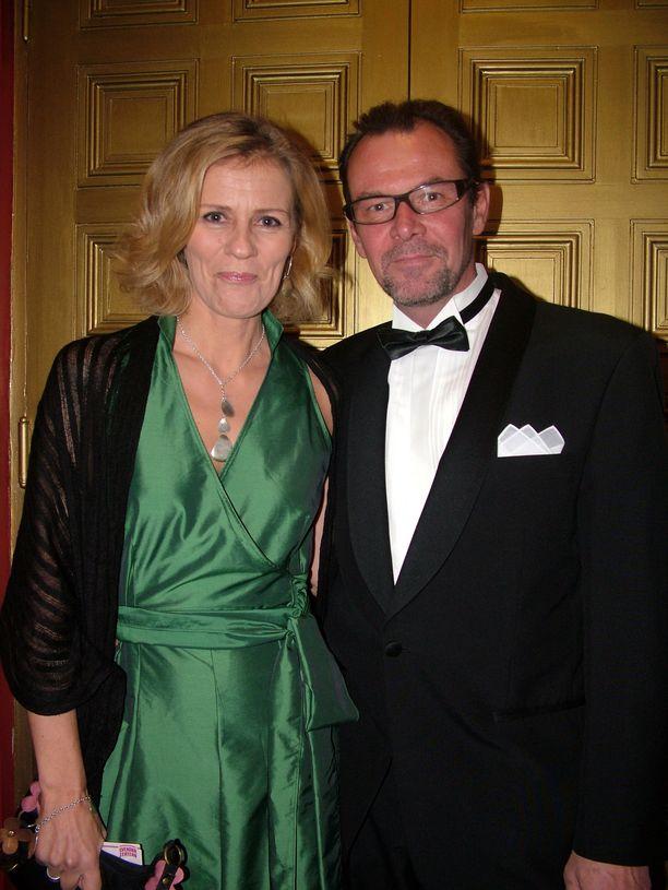 Bettina Sågbom jäi leskeksi, kun aviomies Tomas Ek kuoli syöpään toukokuussa.