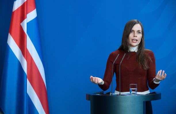 Islannin pääministeri Katrín Jakobsdóttir edustaa vihreä vasemmisto -puoluetta.