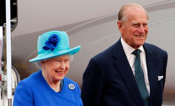 Elisabetilla ja Philipillä on tänään juhlapäivä.