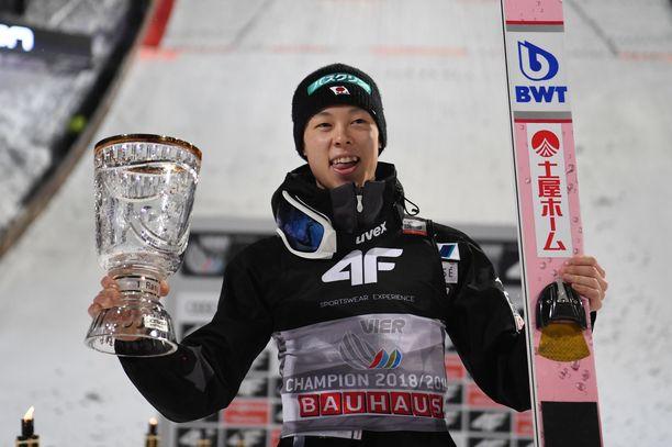 Ryoyu Kobayashi teki mäkiviikolla täydellisen suoran.