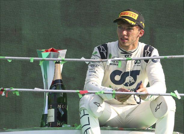 Pierre Gaslystä leivottiin GP-voittaja Monzassa.