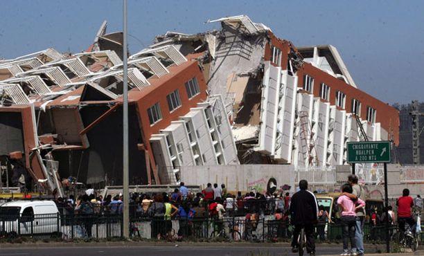 Concepcionin kaupungissa romahti useita kerrostaloja.