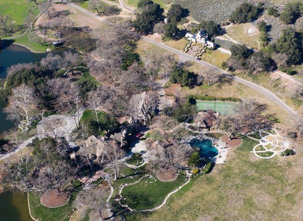 Michael Jacksonin entinen kotitila on myyty.