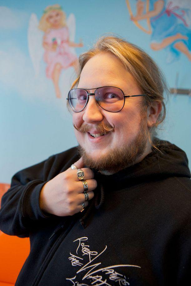 """Big Brotherista tuttu Kari """"Kaki"""" Hautoniemi selvisi hengenvaarallisesta tilanteesta huippukirurgien avulla."""