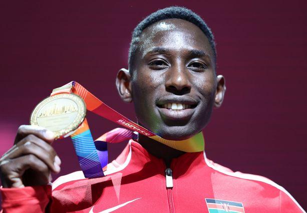 Conseslus Kipruto juhli Dohassa maailmanmestaruutta.