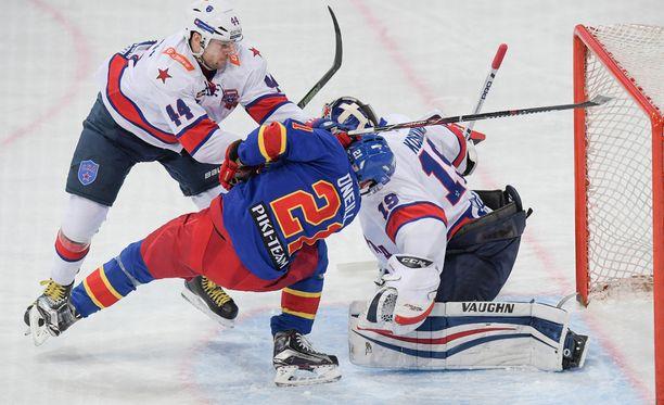 Jegor Jakovlev puolusti omaa maalia.