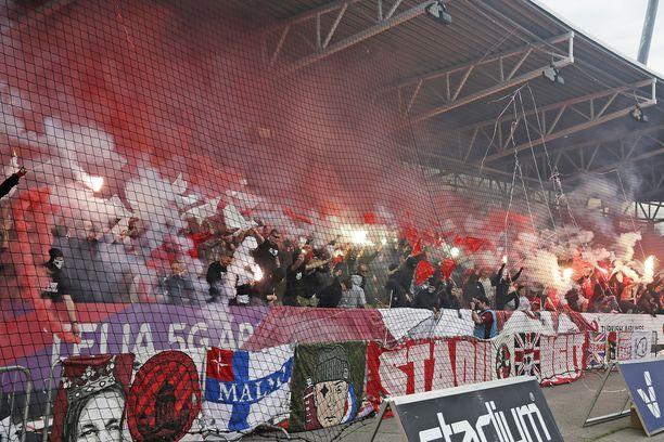 HIFK:n klacken savutti ja soihdutti tifonsa jälkeen heinäkuun Stadin derbyssä-