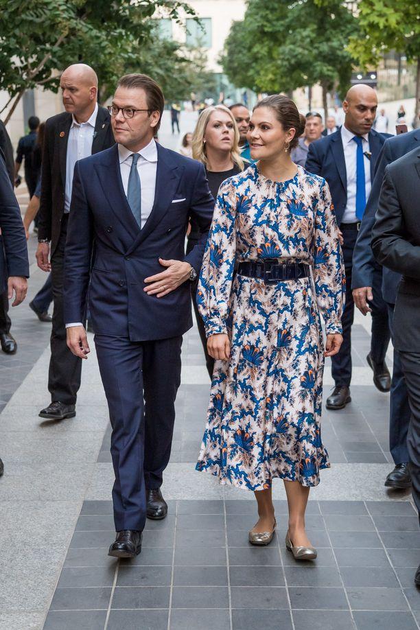 Libanonissa prinssi Daniel ja kruununprinsessa Victoria ovat päässeet tutustumaan esimerkiksi paikalliseen hyväntekeväisyystyöhön.