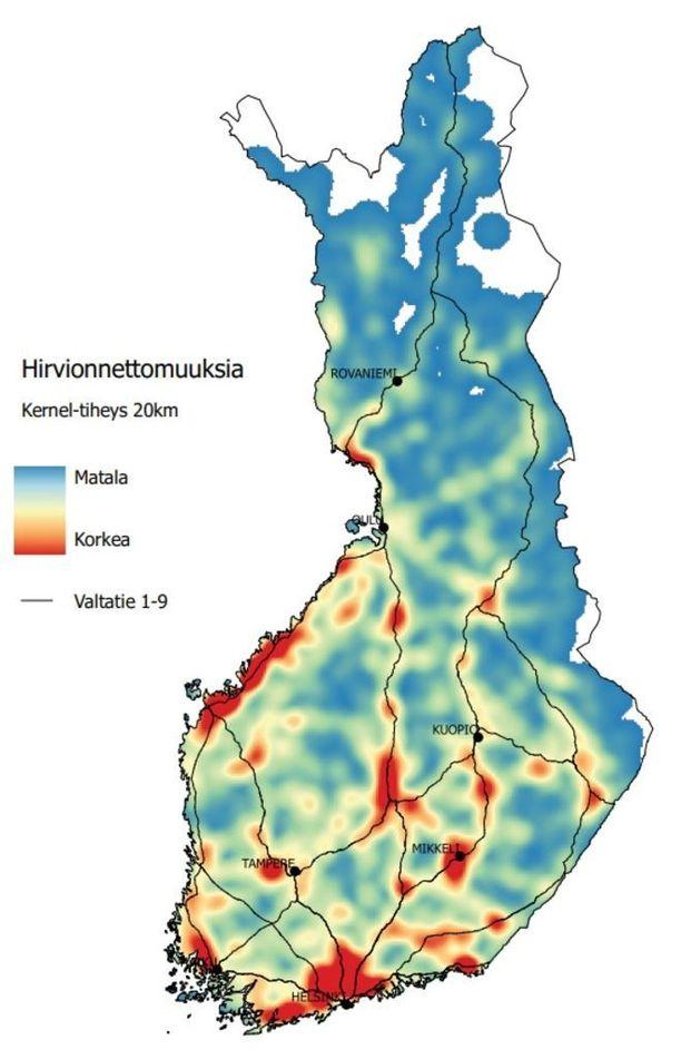 Hirvionnettomuuksien alueellinen jakautuminen Suomessa vuosina 2013-2017. Punaisilla alueilla sattui tiheimmin onnettomuuksia.
