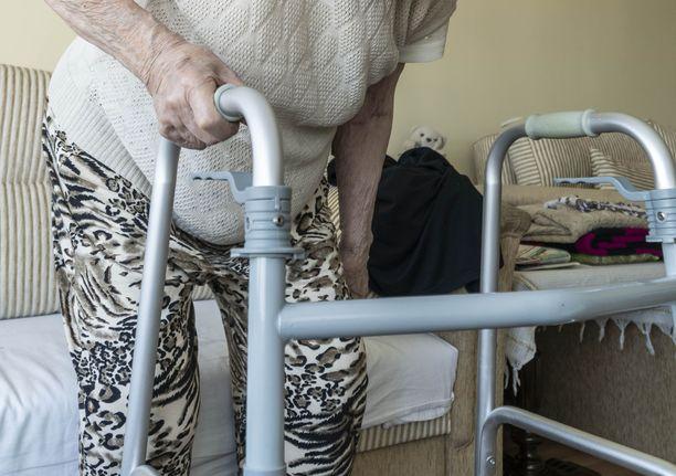 Sitova hoitajamitoitus onkin astumassa portaittain voimaan.