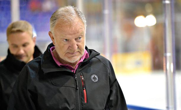 Pekka Rautakallio valmentaa Ässiä toista kautta. Rautakallio on valmentanut porilaisia myös vuosina 2009–2011.