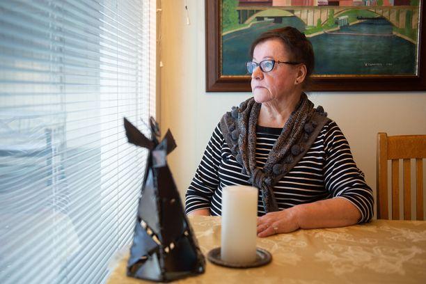 Jorma Kinnusen Liisa-leski muisteli itsenäisyyspäivän alla tänä vuonna menehtynyttä aviomiestään.