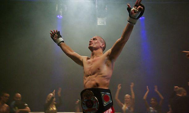 Matteus Lähdesmäki on Shooton tuore kevyen sarjan Euroopan mestari.