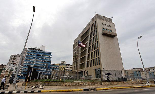Yhdysvaltojen mukaan maan Havannan-suurlähetystöön tehtiin viime vuoden lopusta alkaen äänihyökkäyksiä, jotka aiheuttivat muun muassa kuulovaurioita ja uupumusta maan diplomaateille ja heidän perheenjäsenilleen.