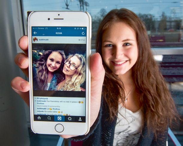 Susanne Laaksolla, 17, on ahkerassa käytössä Snapchat ja Instagram. Puhelimesta löytyvät myös Vine ja Youtube.