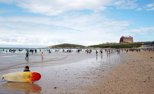 Cornwallin Fistral Beach on surffareiden suosiossa.