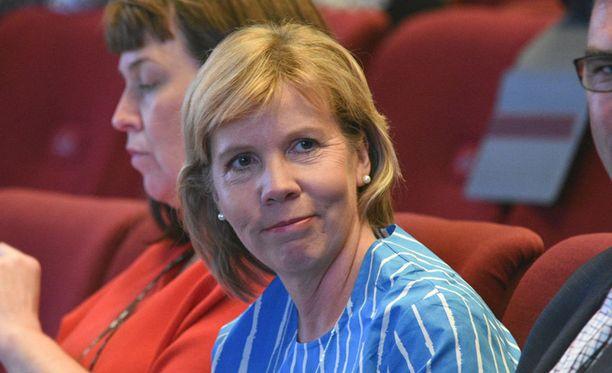 Anna-Maja Henriksson RPK:n puoluekokouksessa Oulussa.