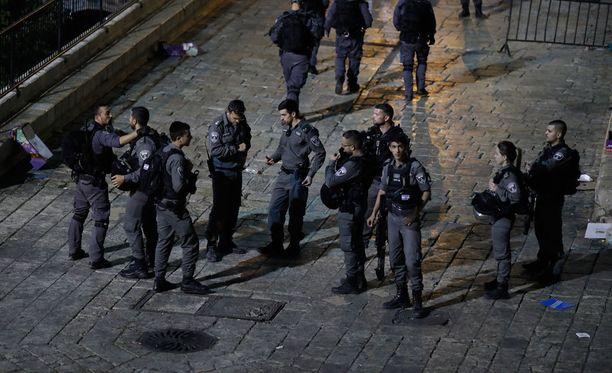 Israelin poliisivoimat surmasivat perjantaina kolme hyökkääjää Jerusalemissa.