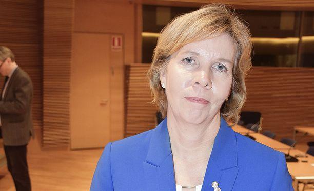 Rkp:n puheenjohtaja Anna-Maja Henriksson avasi valtakunnallisen veteraaniviikon Vaasassa.