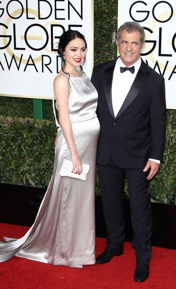 Rosalind esitteli raskauseleganssiaan Golden Globe -gaalassa.