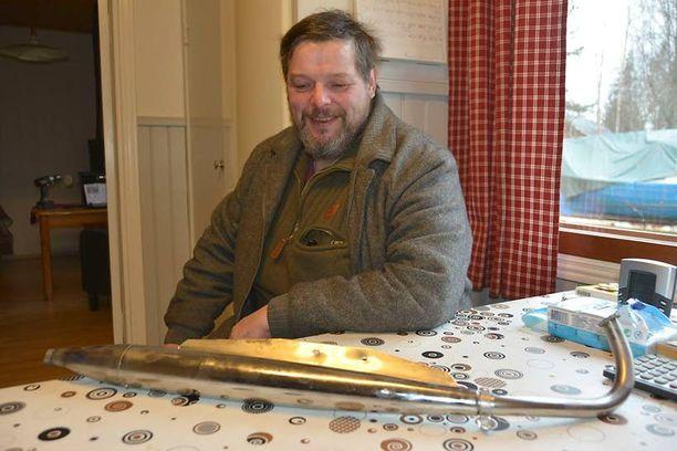 Lehtisen veljesten pajassa on tehtailtu muun muassa 1960-luvun Pappa-Tuntureiden pakoputkia.