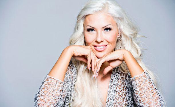 Maisa Torppa on seurustellut ralliautoilija Jari-Matti Latvalan kanssa keväästä saakka.