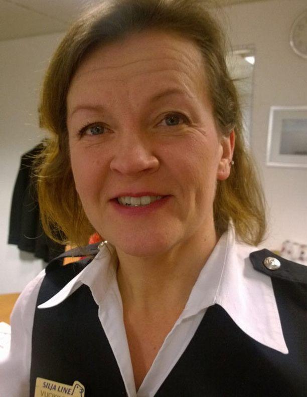 Vuokko Rapeli työskenteli Jari Sillanpään kanssa laivan baarissa.