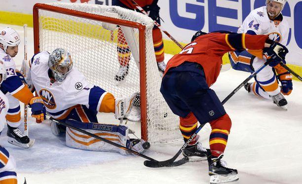 Aleksander Barkov on Floridan ykkösketjun ainoa maalintekijä Islanders-sarjassa.