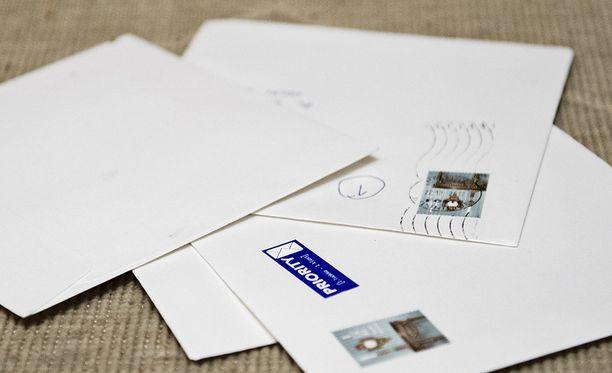 Yritysten on jatkossa ostettava Postilta erillinen yrityspostinumero, jos yritys haluaa kirjepostia myös tiistaisin, kertoo Karjalainen.