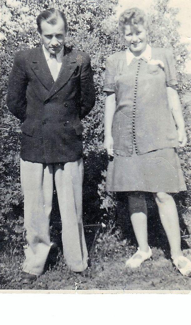 Väinö ja Kerttu Linna sekä Heikki Tanskin vanhemmat Paavo ja Eeva tapasivat usein toisiaan.