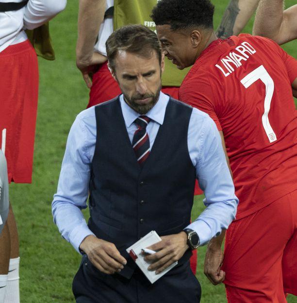 Englannin päävalmentajasta Gareth Southgatesta tuli kisojen aikana paitsi kansallissankari myös tyyli-ikoni.
