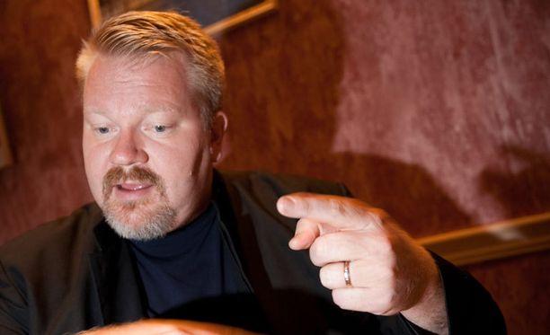 Dosentti Johan Bäckman on ollut viime vuosina julkisuudessa esillä muun muassa Suomen ja Venäjän lapsikiistojen yhteydessä.