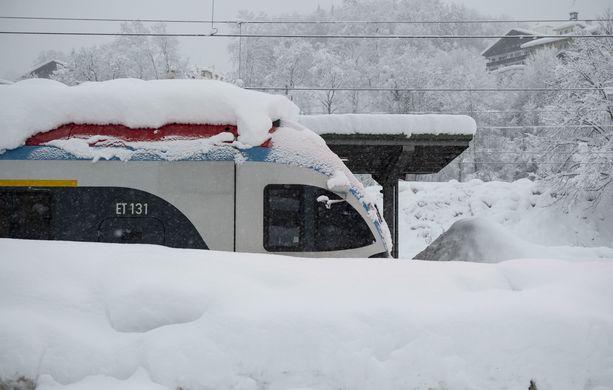 Berchtesgadenin asemalla Saksassa junat olivat jumissa.