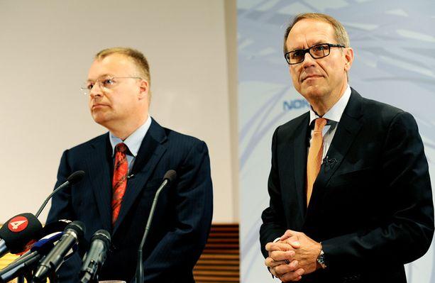Stephen Elop ja Jorma Ollila viime vuoden syyskuussa järjestetyssä tiedotustilaisuudessa, jossa yhtiön uusi toimitusjohtaja paljastettiin.