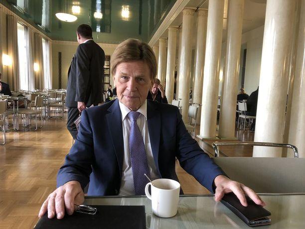 Ensimmäinen varapuhemies Mauri Pekkarinen aikoo kertoa pian tulevaisuudensuunnitelmistaan.