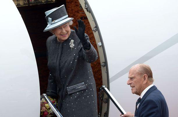 Kuningatar Elisabet matkusti viimeisen kerran ulkomaanmatkalle vuonna 2015. Tuolloin matkakohteena oli Malta ja seurana puoliso prinssi Philip.