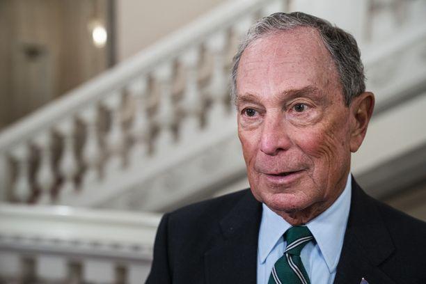 Liikemies ja New Yorkin entinen pormestari Michael Bloomberg on käyttänyt tietämättään vaalikampanjansa työntekijöinä vankeja.