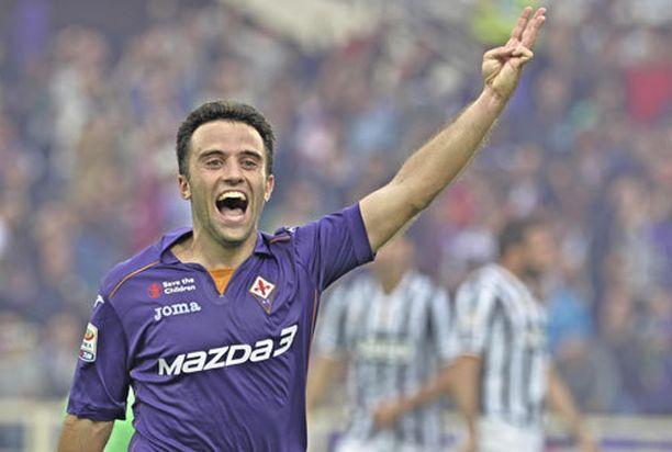 Fiorentinan Giuseppe Rossi pommitti vartissa hattutempun.