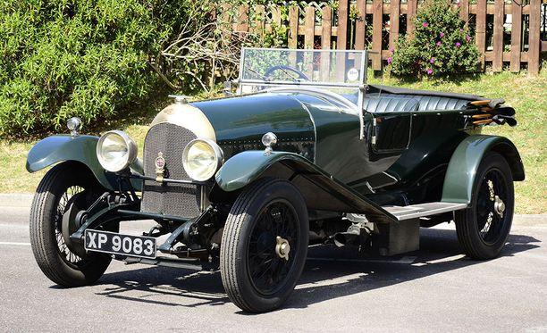 Max Verstappenin ja Carlos Sainzin 3-litrainen Bentley vuodelta 1923.