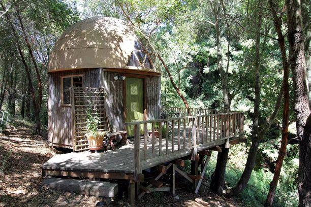 Sienimäinen Mushroom Dome on Airbnb:n suosituin kohde.