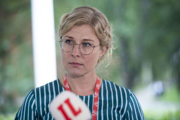 Niina Malm joutuu oikeuteen viisumisotkuista.