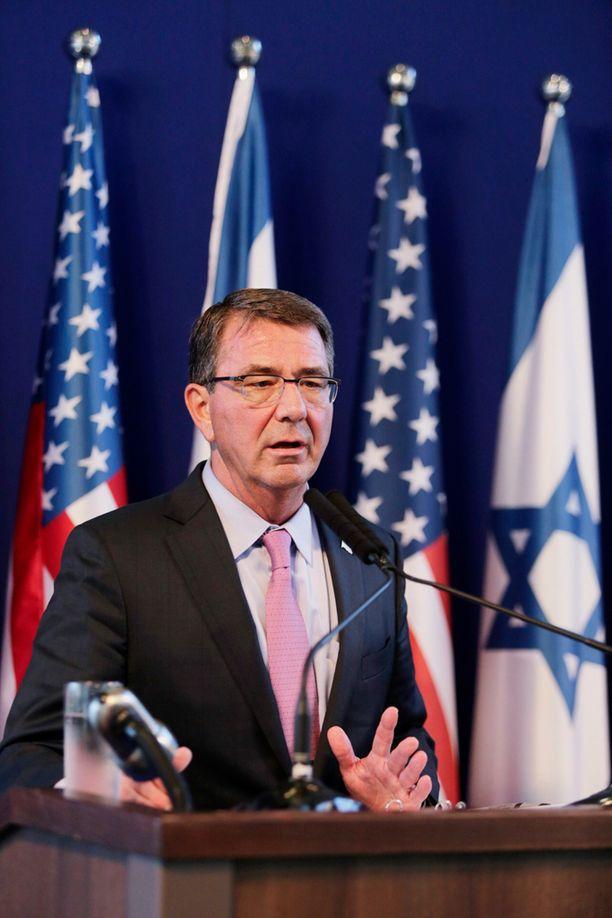 Yhdysvaltain puolustusministeri Ashton Carter.