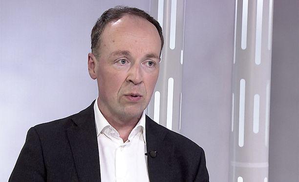 Jussi Halla-ahon mielestä Suomeen tarvitaan tiukempaa maahanmuuttopolitiikkaa.