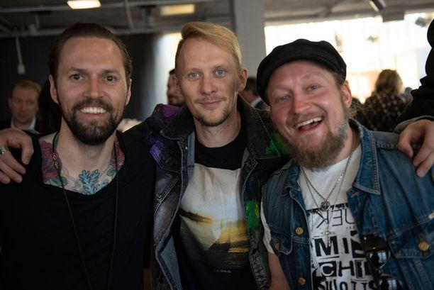 Kuvassa HP Parviainen Jarno Laasalan ja Jarppi Leppälän kanssa toukokuussa MTV:n tiedotustilaisuudessa.